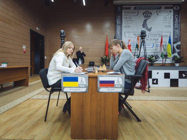 Olga Girya (RUS) and Natalia Zhukova (UKR)