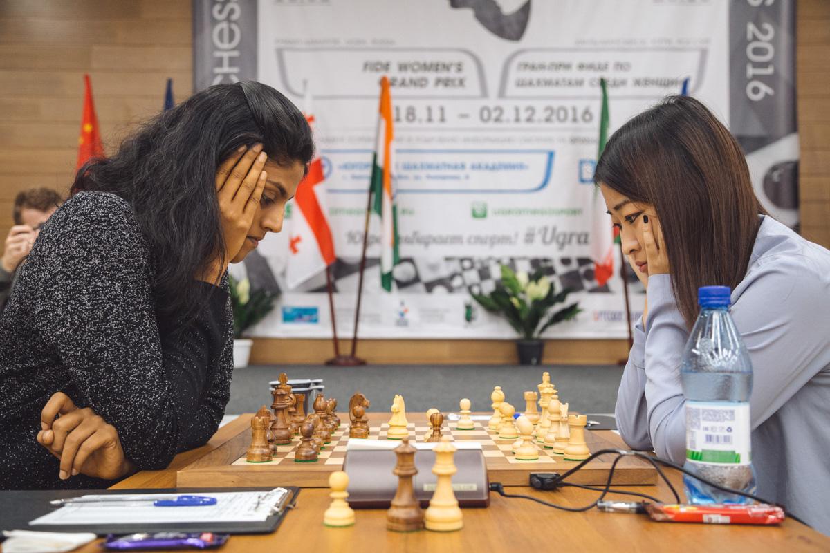 Dronavalli Harika (IND) and Ju Wenjun (CHN)