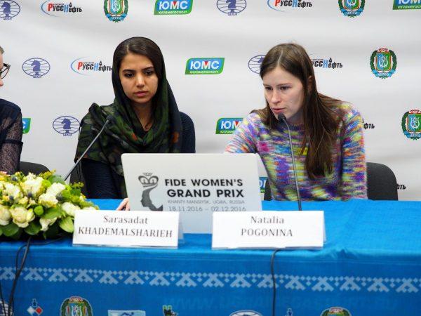 Sarasadat Khademalsharieh (IRN) and Natalija Pogonina (RUS)