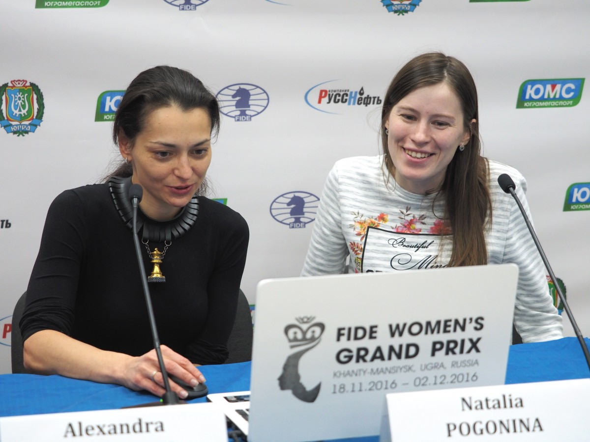 Alexandra Kosteniuk (RUS) Natalia Pogonina (RUS)