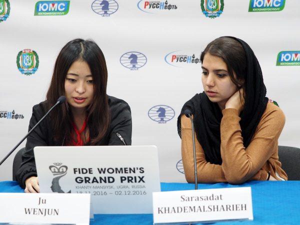 Ju Wenjun (CHN)  and Sarasadat Khademalsharieh (IRN)
